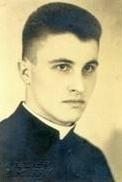 Fotografie z roku 1936 po vysvěcení na kněze